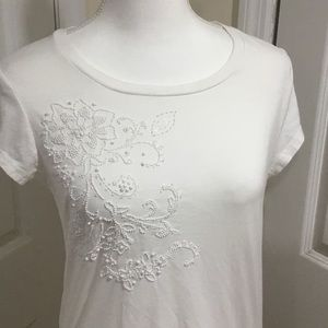 Old Navy White Beaded T-shirt Size L